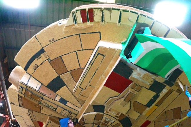 Millennium Falcon float 2015 // livingmividaloca.com