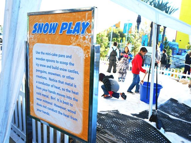 snow play at discovery cube // livingmividaloca.com