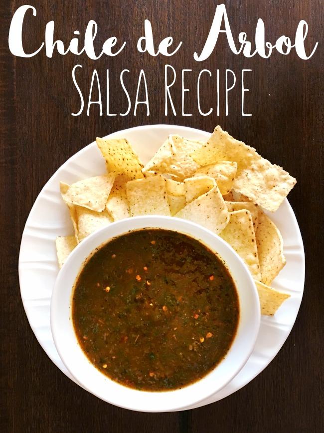 Make this easy Mexican salsa recipe that's great for tacos, burritos and for breakfast. | livingmividaloca.com | #livingmividaloca #childedearbolsalsa #recipes #spicysalsa #salsa #mexicansalsa #diprecipes