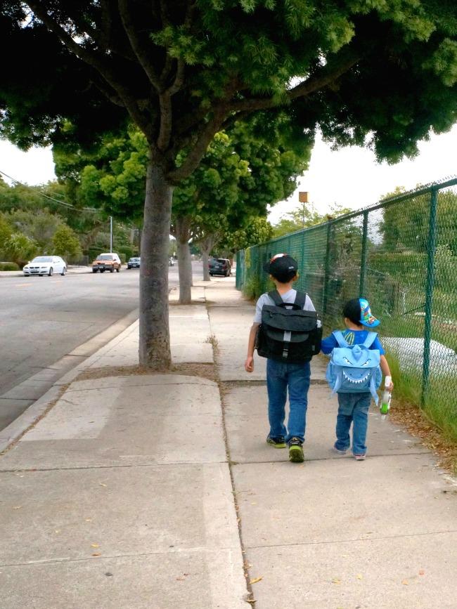 kids-walking-on-a-street-in-carpinteria