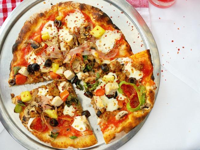 customized pizza // Pizza Party at Downtown Disney // LivingMiVidaLoca.com