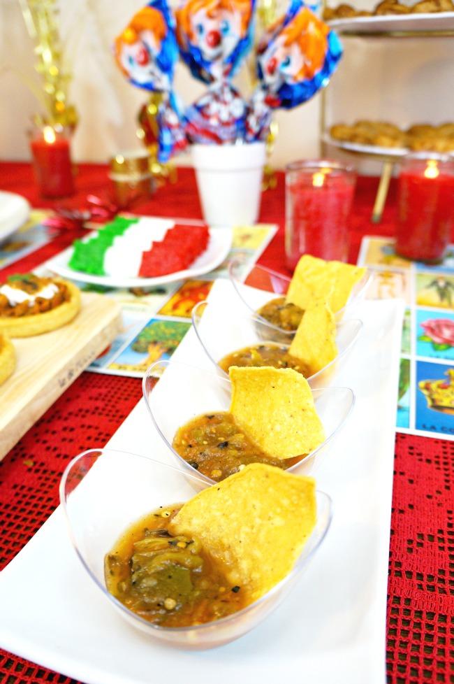 salsa in oval bowls // awards viewing party // livingmividaloca.com
