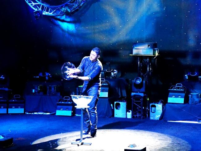Deni Yang Bubblefest show // Bubblefest at Discovery Cube OC // LivingMiVidaLoca.com