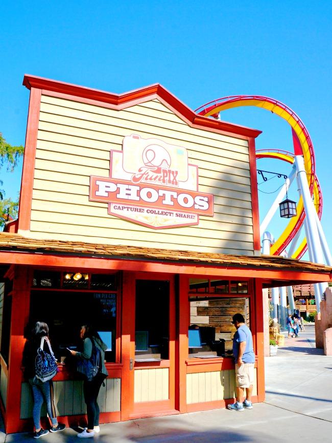 FunPix photo booth // FunPix at Knott's Berry Farm // LivingMiVidaLoca.com