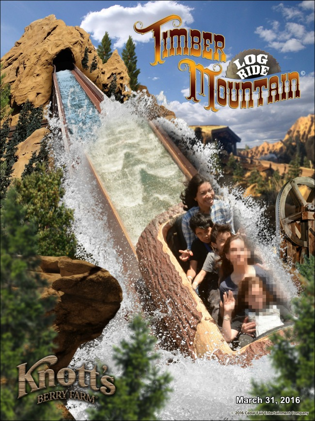Timber Mountain log ride photo // FunPix at Knott's Berry Farm // LivingMiVidaLoca.com