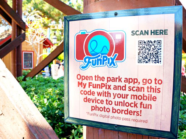 How to use FunPix app // FunPix at Knott's Berry Farm // LivingMiVidaLoca.com