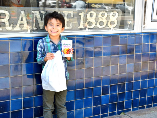 Juicy juice is a great afternoon date // Afternoon dates with my preschooler // LivingMiVidaLoca.com