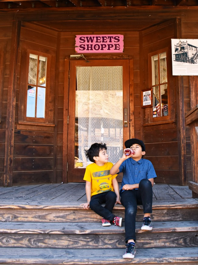 Family travel plans to Calico Ghost Town - Calico Ghost Town - Living Mi Vida Loca