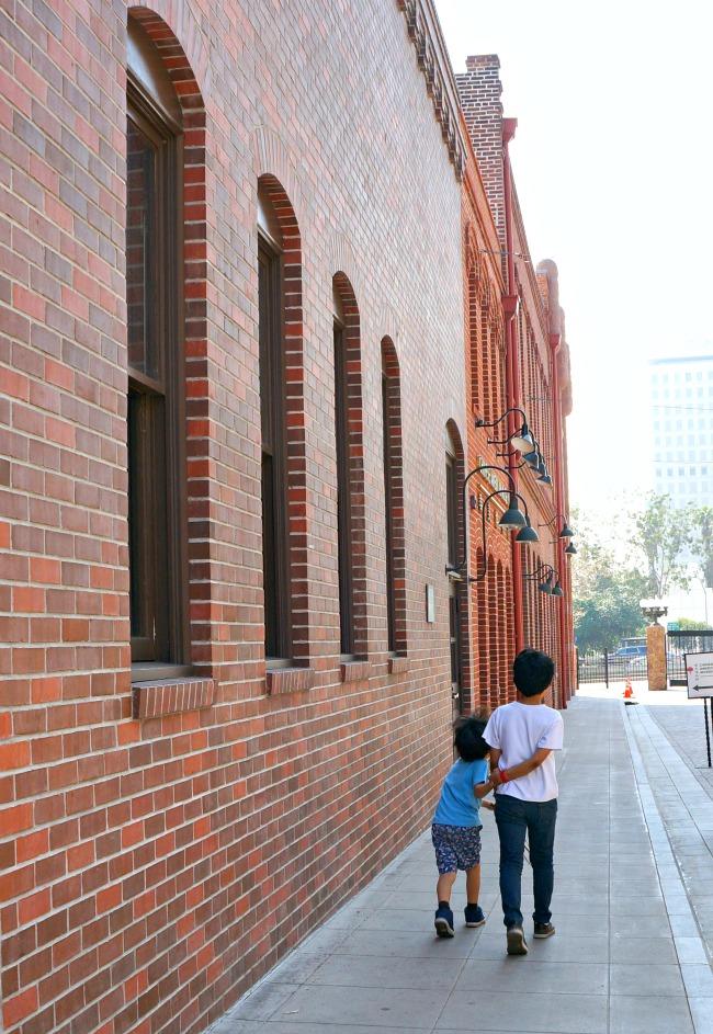 Kids walking to Chinese American museum - Placita Olvera day trip - Living Mi Vida Loca