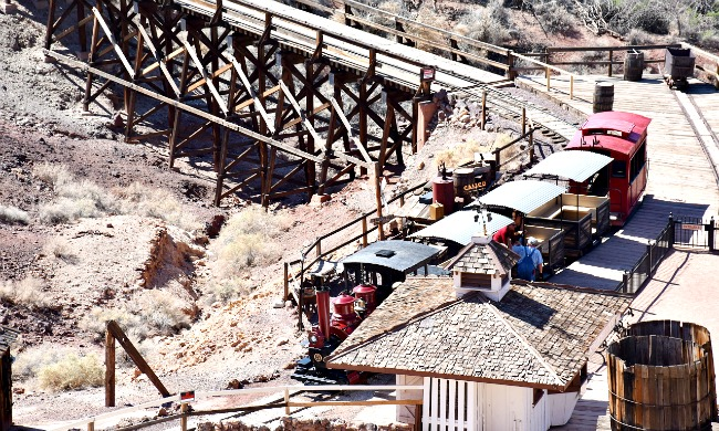 Railroad train tour at Calico Ghost Town - Calico Ghost Town - Living Mi Vida Loca