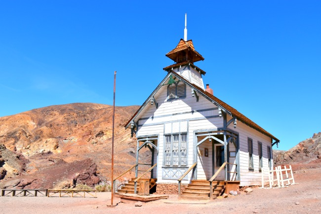 Old Calico Ghost Town school house on the hill - Calico Ghost Town - Living Mi Vida Loca