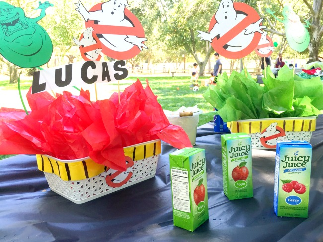DIY Ghostbusters centerpieces - Ghostbuster birthday party - LivingMiVidaLoca.com - #LivingMiVidaLoca #birthdaypartyideas #Ghostbusters