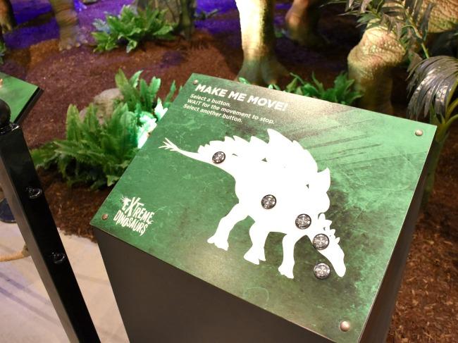 Extreme Dinosaurs traveling exhibit at Discovery Cube - LivingMiVidaLoca.com (photo credit: Pattie Cordova)