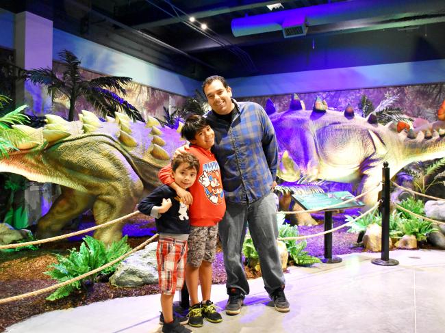 Extreme Dinosaurs exhibit review at Discovery Cube - LivingMiVidaLoca.com (photo credit: Pattie Cordova)