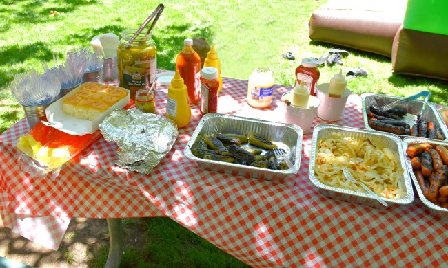 Food at Ghostbusters party : Ghostbuster Party : LivingMiVidaLoca.com (photo credit: Pattie Cordova)