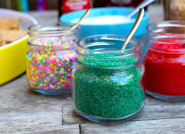 Colorful Sprinkles for ice cream sandwiches - livingmividaloca.com