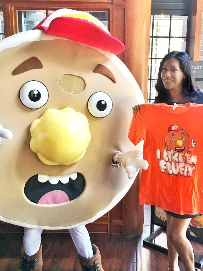 Fluffy Pancakes character - LivingMiVidaLoca.com