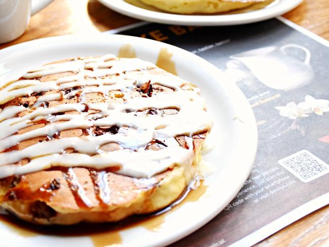 NEW! Sticky Bun Pancake Breakfast - LivingMiVidaLoca.com