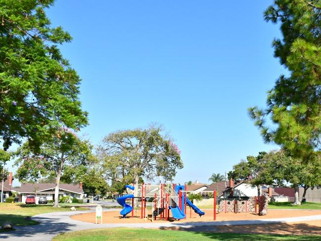Rio Vista Park in Anaheim, California - LivingMiVidaLoca.com