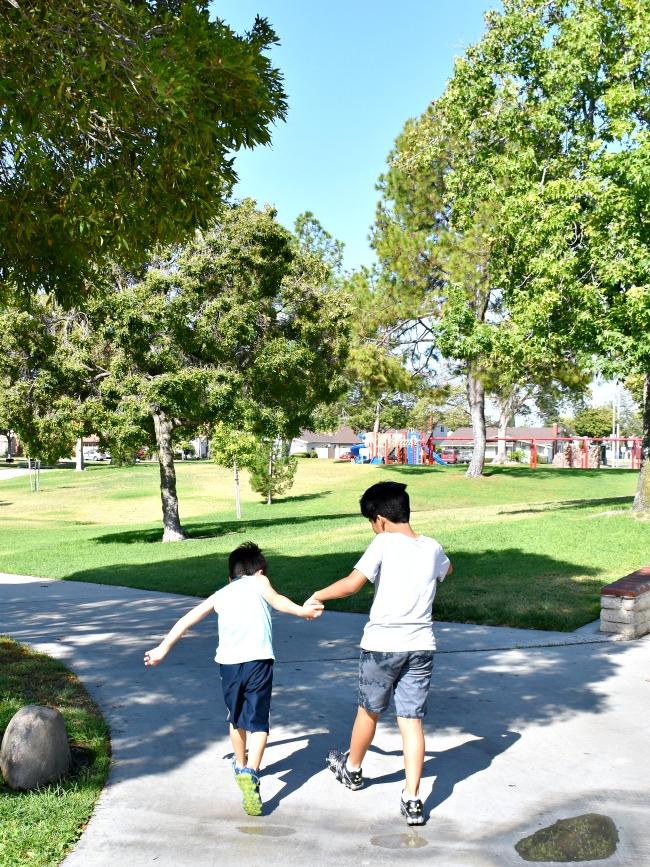 boys walking in Rio Vista Park - LivingMiVidaLoca.com