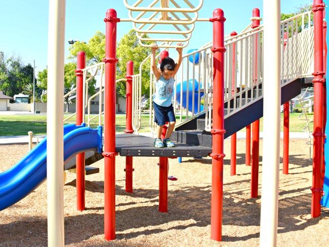 easy ways to keep kids active - LivingMiVIdaLoca.com
