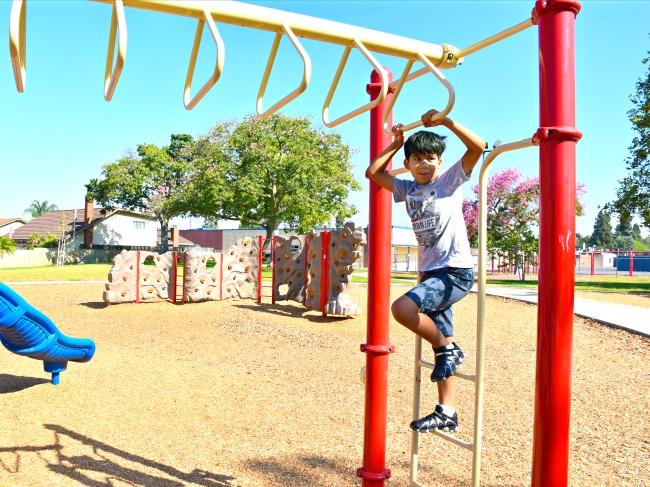 tips for keeping kids active - livingmividaloca.com