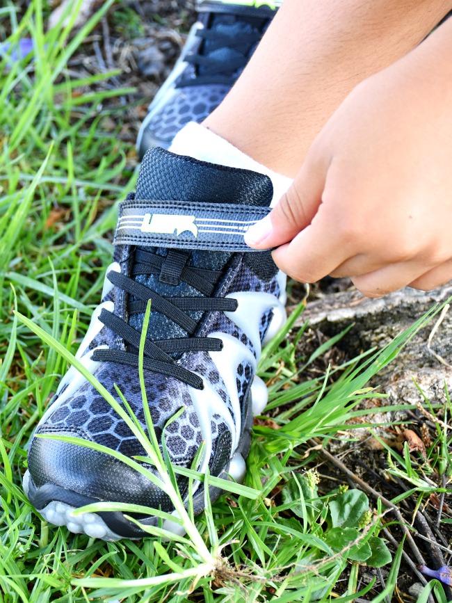 tying Leepz shoes with velcro wrap - LivingMiVidaLoca.com