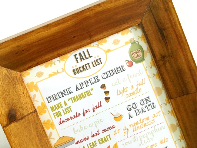 DIY fall printable with list of Fall activities to do at home - livingmividaloca.com
