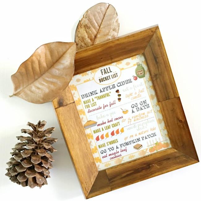 Free Fall bucket list printable to use at home - livingmividaloca.com #fall #falldecorations #fallprintable #thingstodoinfall #falldecor #decoratingforfall #diyfalldecor #easyfalldecor