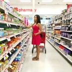 Latina blogger shopping at CVS pharmacy-livingmividaloca.com