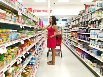 Latina blogger shopping at CVS pharmacy-livingmividaloca.com