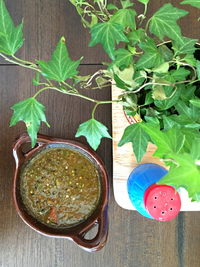 How to make salsa with serrano chiles - LivingMiVidaLoca.com