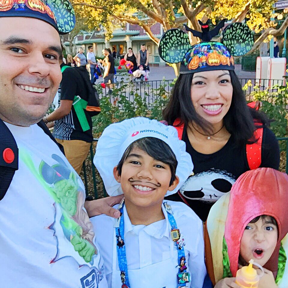 Pattie Cordova and family at Mickey's Halloween Party 2016 - LivingMiVidaLoca.com