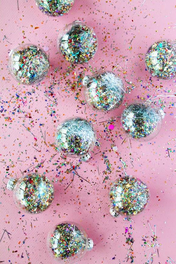 Glitter Dust Filled Balls - livingmividaloca.com
