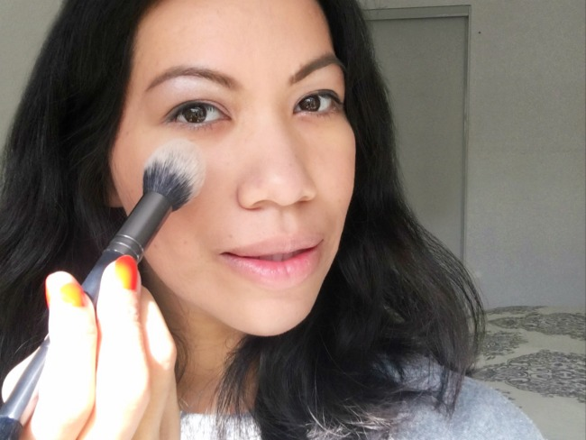 Easy holiday makeup look using PIXI by Petra face kit - LivingMiVidaLoca.com