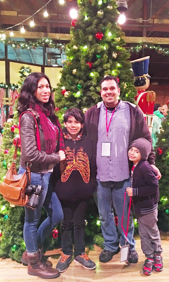 Santa's Christmas Cabin at Knott's Merry Farm offers festive treats during the holiday season - LivingMiVidaLoca.com