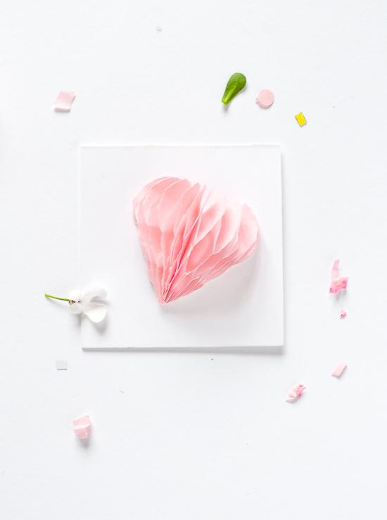 Honeycomb Valentine's Day cards - LivingMiVidaLoca.com