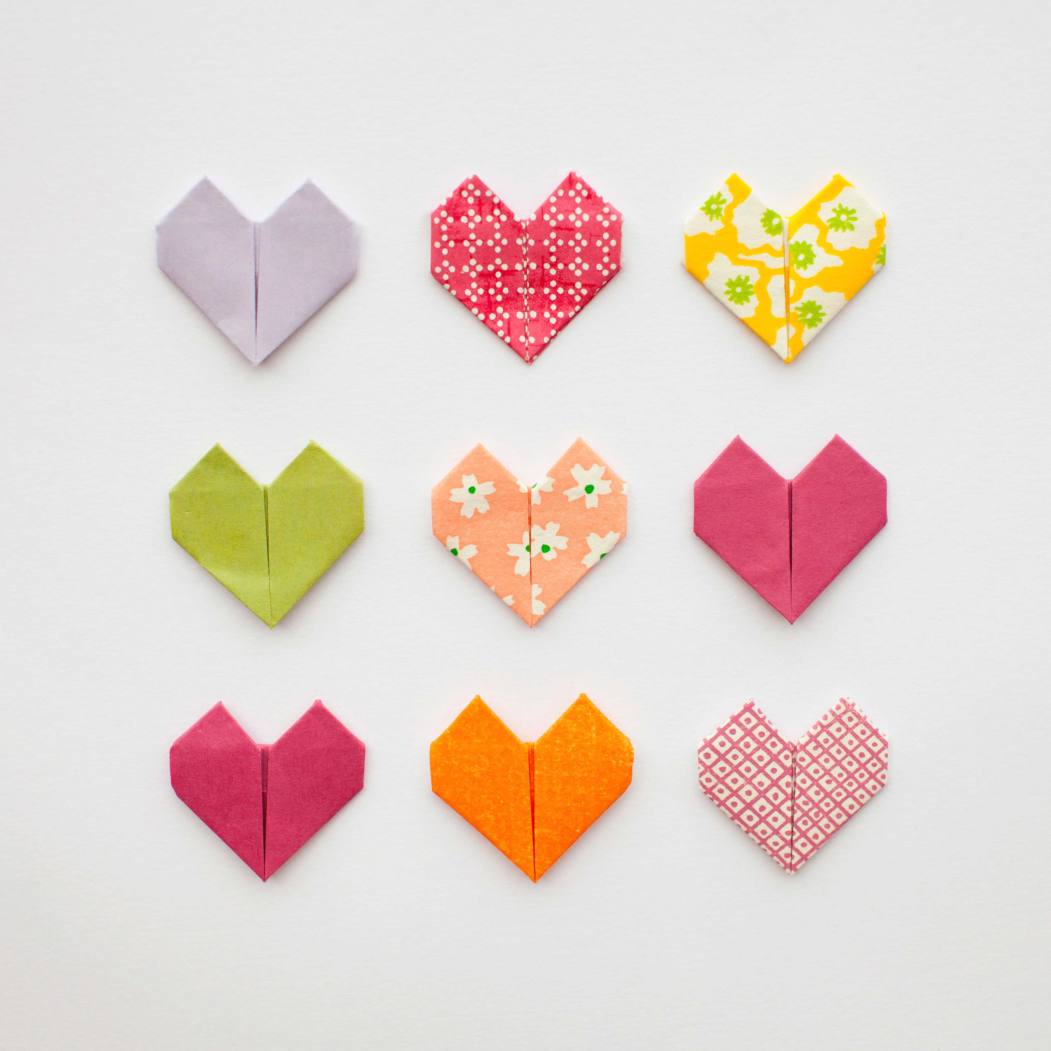 Origami hearts for Valentine's Day - LivingMiVidaLoca.com