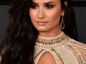 Demi Lovato at the 2017 Grammy's - LivingMiVidaLoca.com
