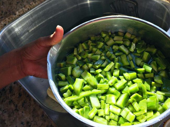 How to make Mexican cactus salad recipe - LivingMiVidaLoca.com