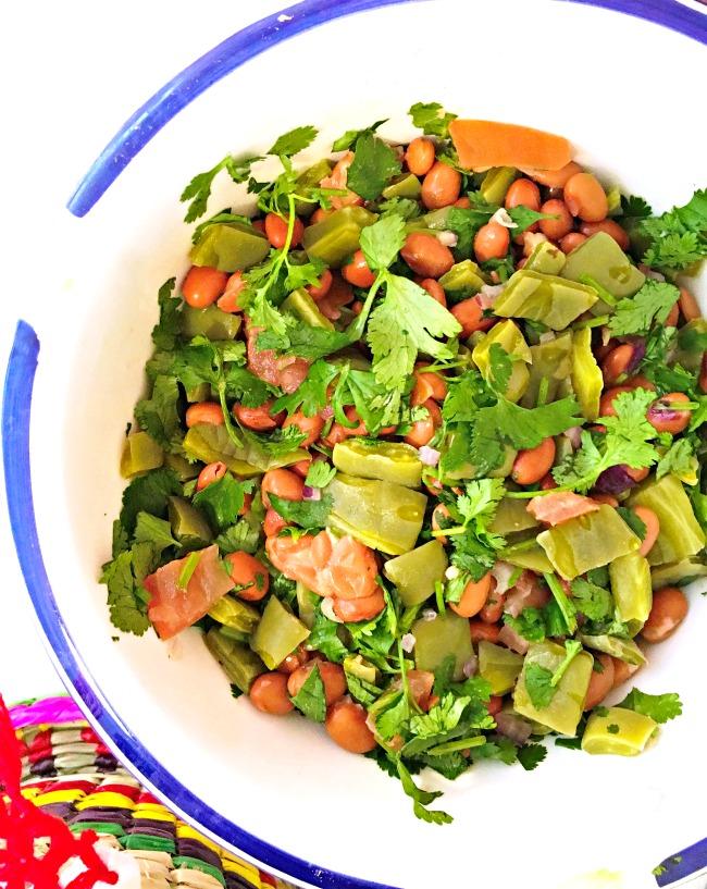 Easter side dish salad - livingmividaloca.com