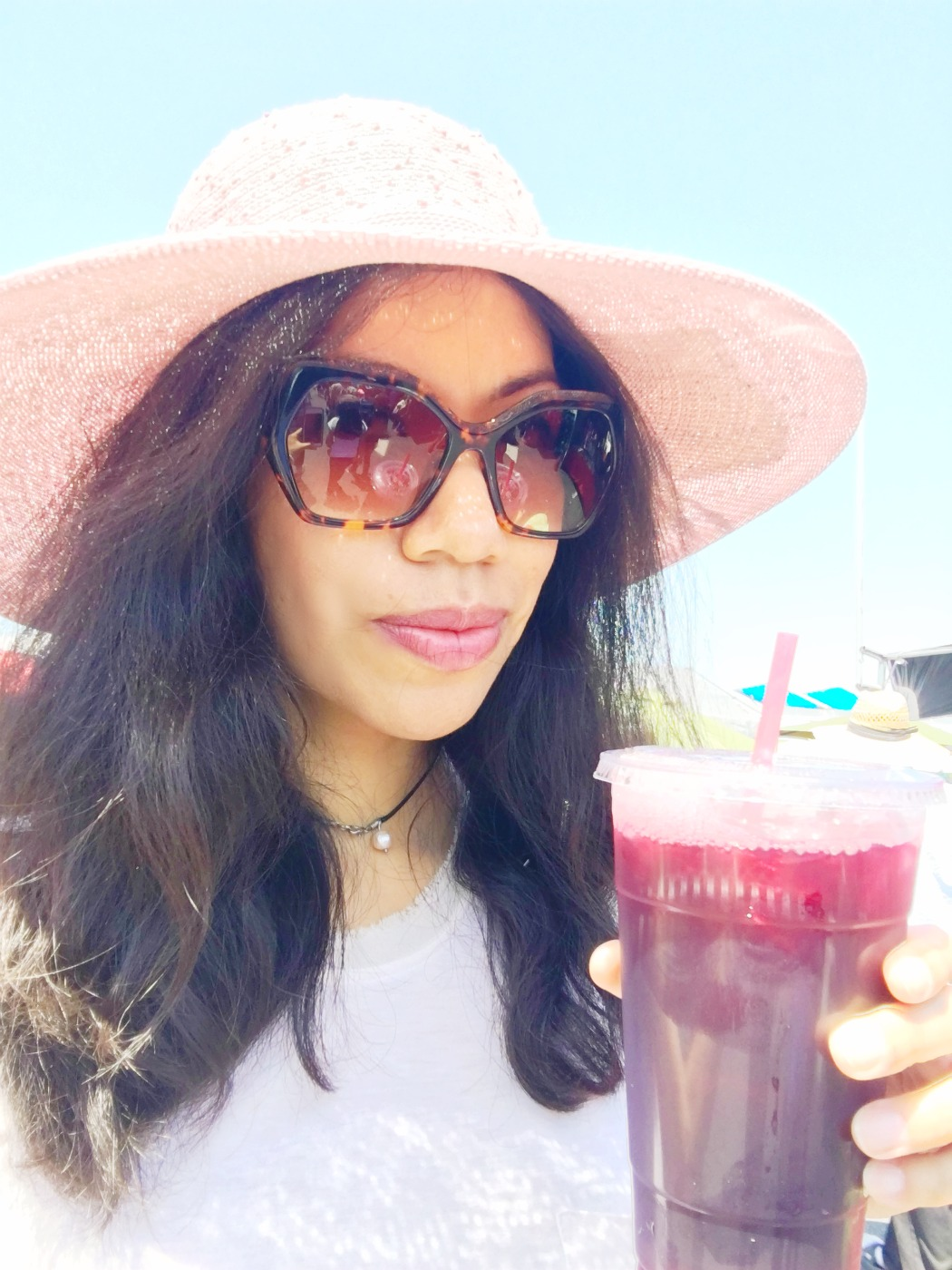 Drinking Jamaica agua Fresca at the swap meet - LivingMiVidaLoca.com