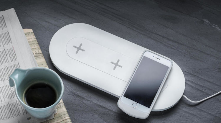 how to charge wirelessly at teachers lounge makeover - LivingMiVidaLoca.com