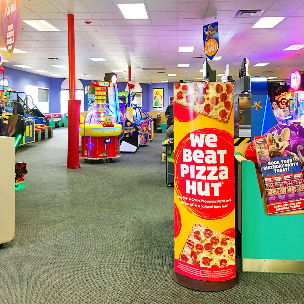 Chuck E. Cheese's beat out Pizza Hut - LivingMiVidaLoca.com