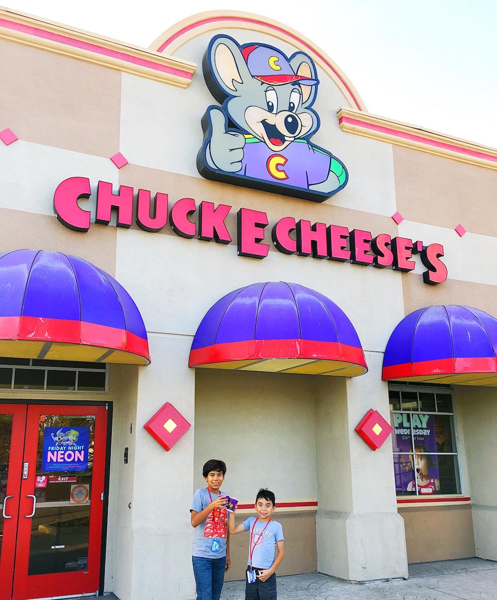 Best Chuck E. Cheese's experience - LivingMiVidaLoca.com