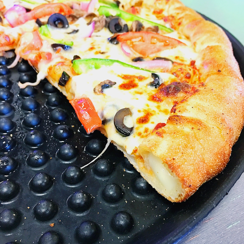 Stuffed crust pizza at Chuck E. Cheese's - LivingMiVIdaLoca.com