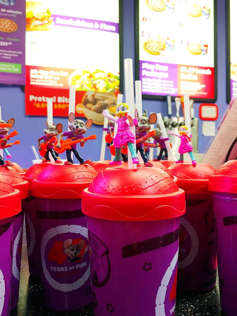 Souvenir cups at Chuck E. Cheese's - LivingMiVidaLoca.com