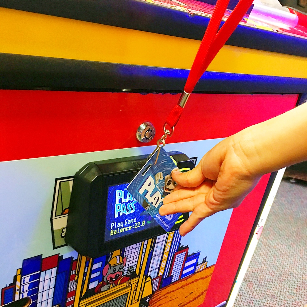 Play Pass at Chuck E. Cheese's - LivingMiVidaLoca.com