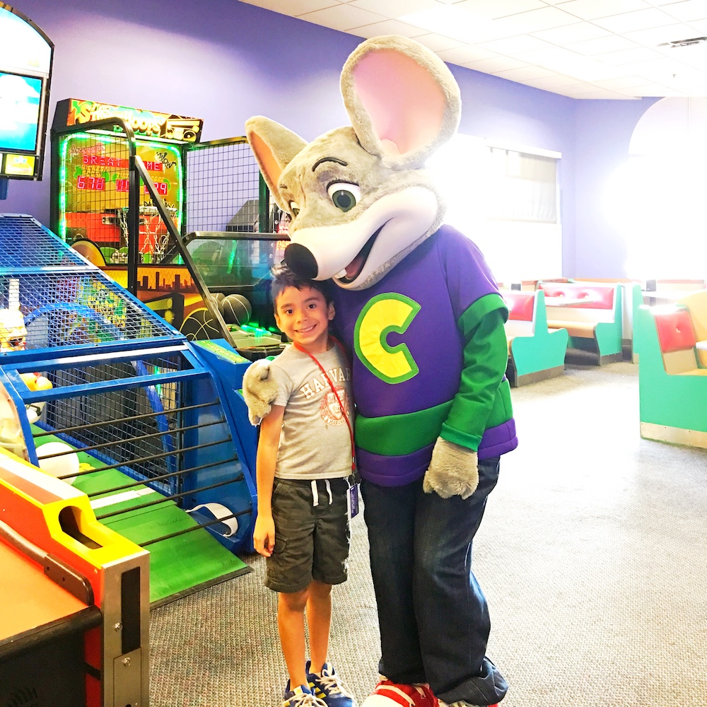 Best time to visit Chuck E. Cheese's - LivingMiVidaLoca.com