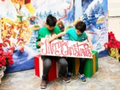 Photo opportunities at Santa HQ at Los Cerritos Center - LivingMiVidaLoca.com